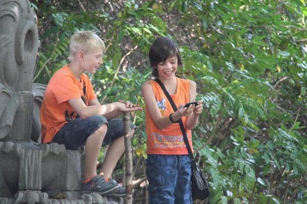 Jolanda Pikkaart: 'Stuur kinderen naar buiten, mét de smartphone'